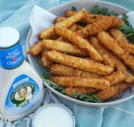 Mozzarella sticks with ranch dressing